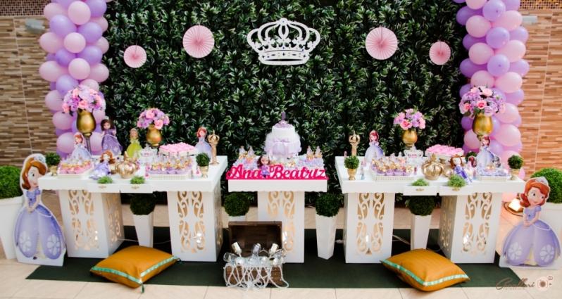 Orçamento com Buffet Completo para Festa de Aniversário Jardim Central - Buffet de Debutantes